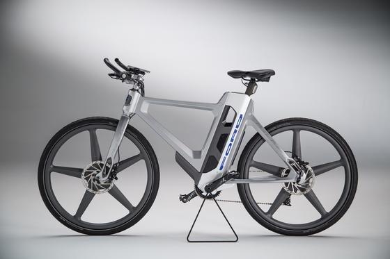 Das smarte Klapprad MoDe:Flex ist bereits die dritte Ford-E-Bike-Generation. Erstmals hat es die Größe eines konventionellen Fahrrads.