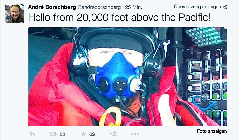 Gruß von André Borschberg auf Twitter: Der Pilot fliegt in rund 6000 m Höhe und muss eine Sauerstoffmaske tragen.
