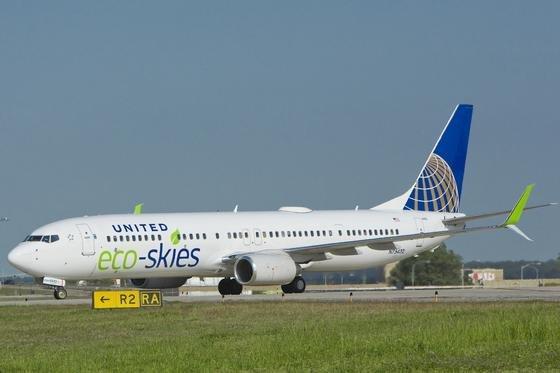Die amerikanische Fluggesellschaft United Airlines fliegt in diesem Sommer mit Biokraftstoff von Los Angeles nach San Francisco.