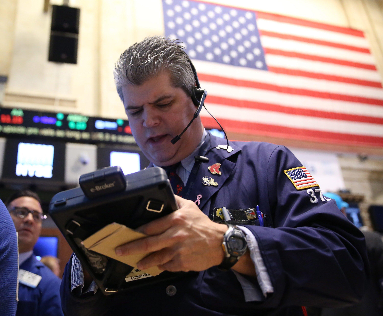 Wegen Computerproblemen setzte die Handelsplattform New Yorker Börse an der Wall Street am 8. Juli 2015stundenlang den Handel aus.
