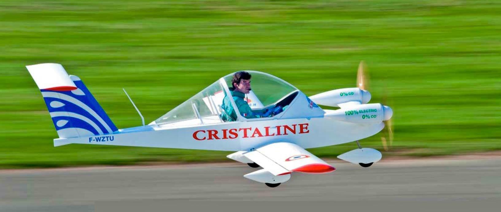 Das von zwei Elektromotoren angetriebene Kleinflugzeug Cricri, auf deutsch Grille, hatHugues Duval selbst konstruiert.