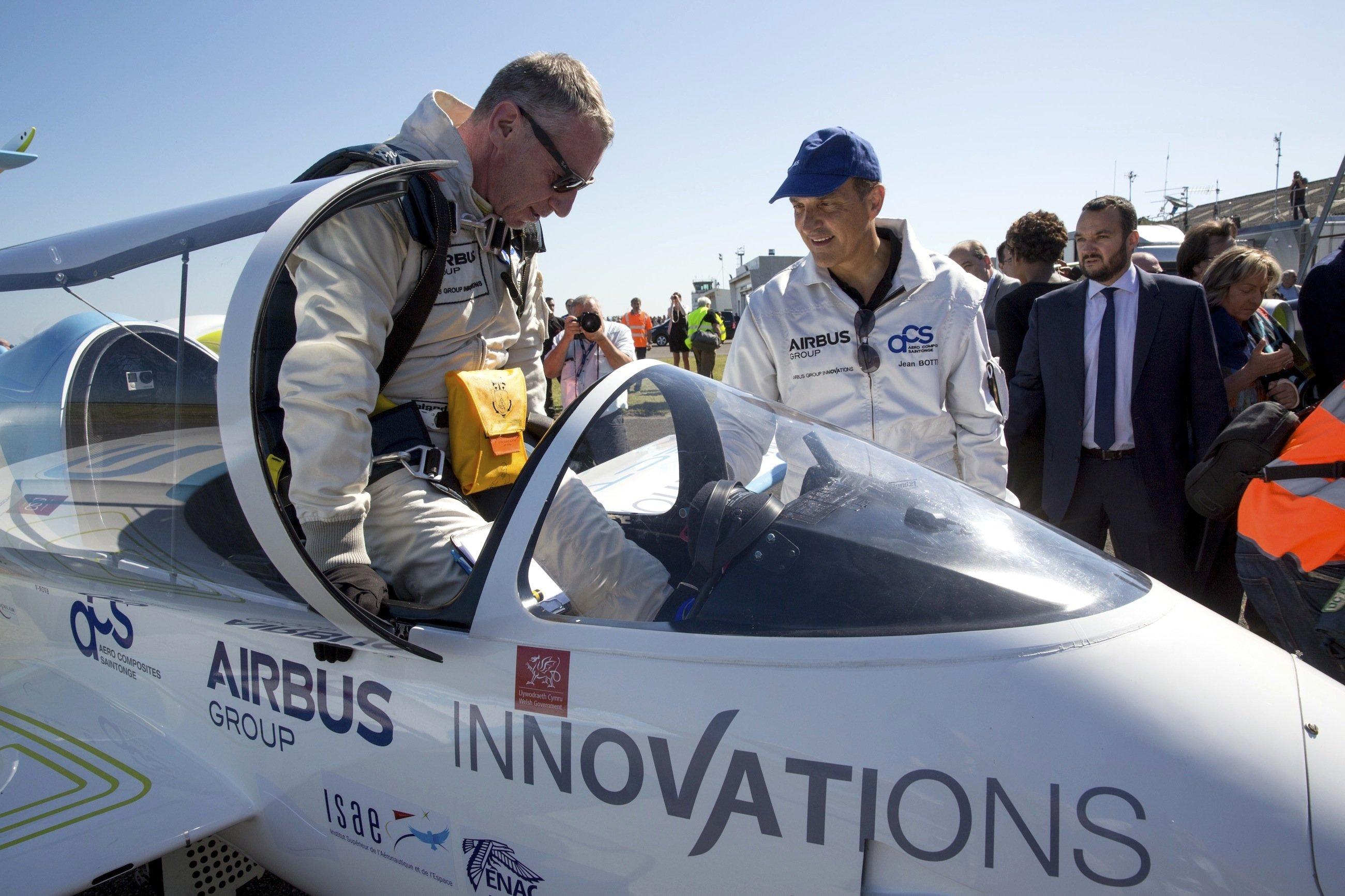 Sicher gelandet in Calais: E-Fan-Pilot Didier Esteyne.