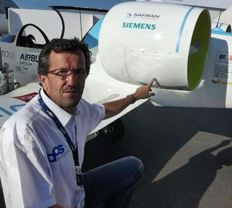 In der E-Fan 1.0 von Airbus ist angeblich kein Bauteil von Siemens enthalten. Im Bild der Elektroantrieb des Flugzeuges. Siemens hatte demslowenische Flugzeughersteller Pipistrel verboten, mit einem Siemens-Elektromotor über den Ärmelkanal zu fliegen.