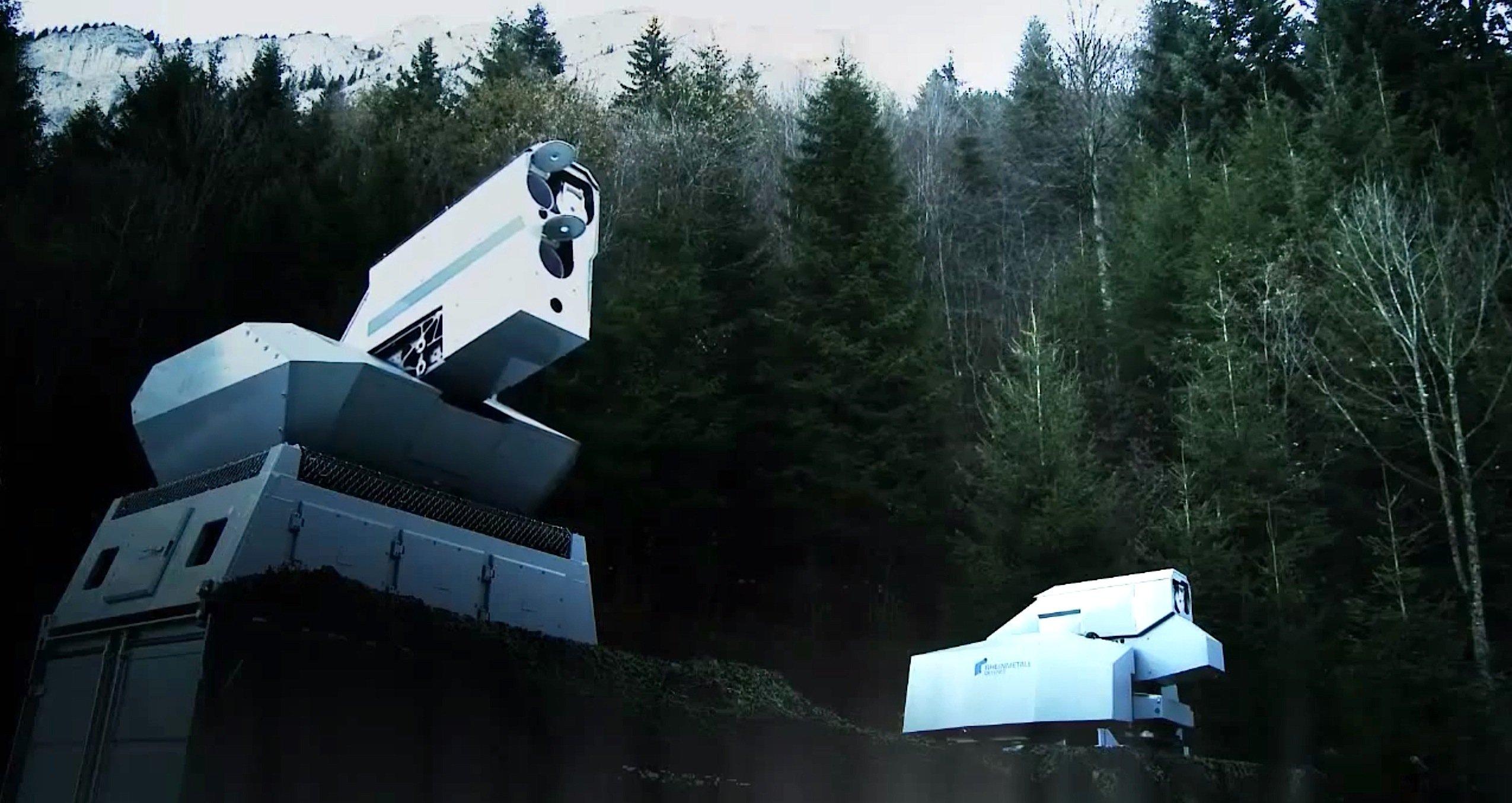 An den Laserwaffen, die der Rüstungskonzern Rheinmetall 2013 in der Schweiz vorgestellt hat, ist auch die Bundeswehr interessiert. Sie hat bereits 84 Mio. € in diese Waffentechnik investiert.