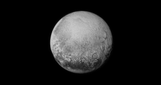 Dieses Bild vom 11. Juli, aufgenommen aus einer Entfernung von rund 4 Mio. km, ist für die Wissenschaftler Verheißung pur: Ab Mittwoch gibt es noch bessere Bilder. Dann wird sich die Sonde New Horizons dem Pluto bis auf 12.500 km nähern.
