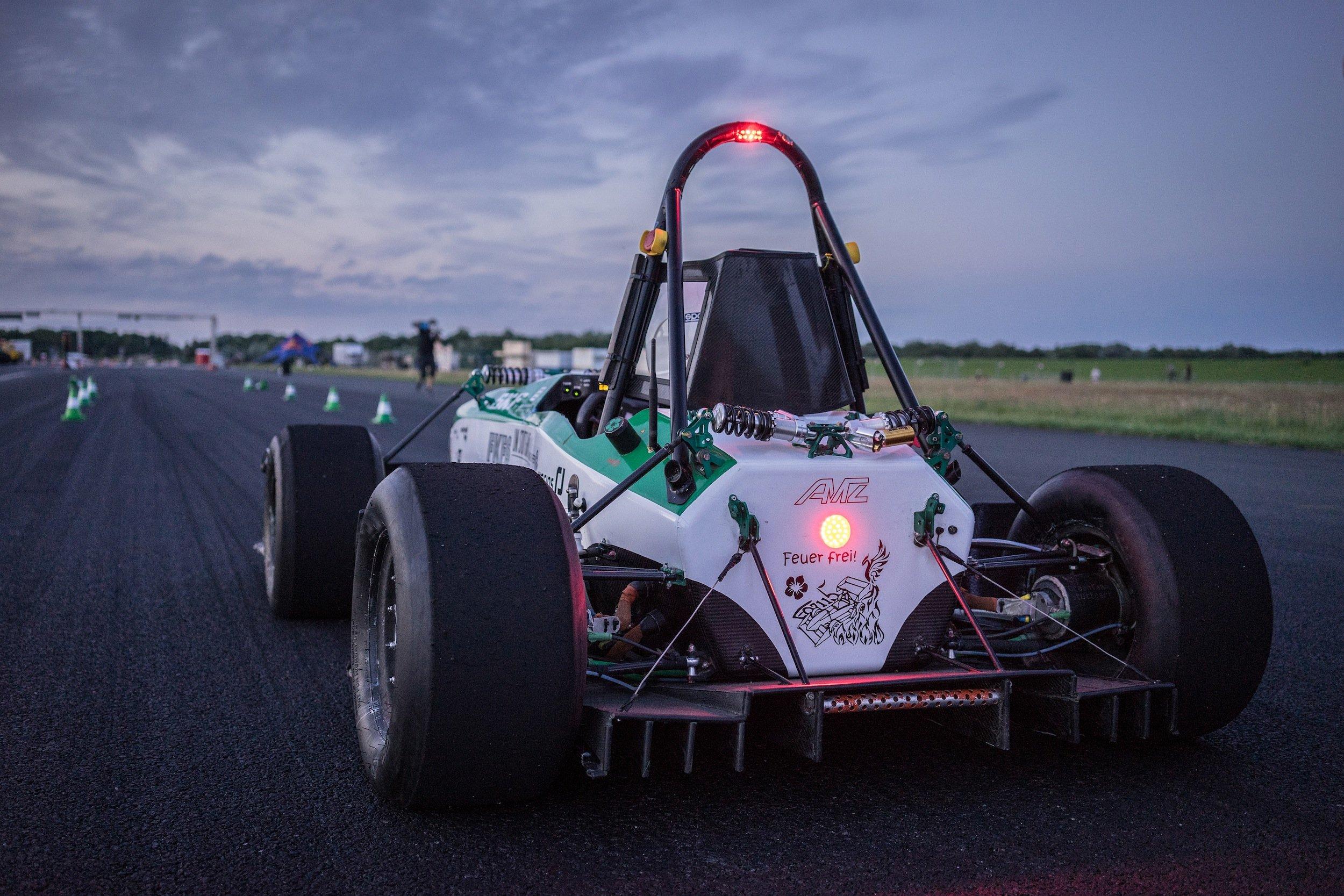 Der E0711-5 vor dem Start: Er ist mit fünf Nabenmotoren ausgestattet, die eine Leistung von jeweils 25 kW haben.