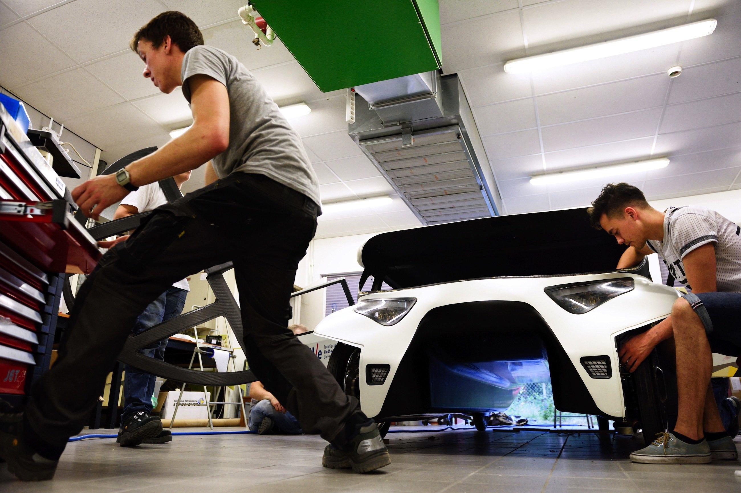 Das Elektroauto Stella Lux erinnert wegen seiner Bauform an einen Katamaran.