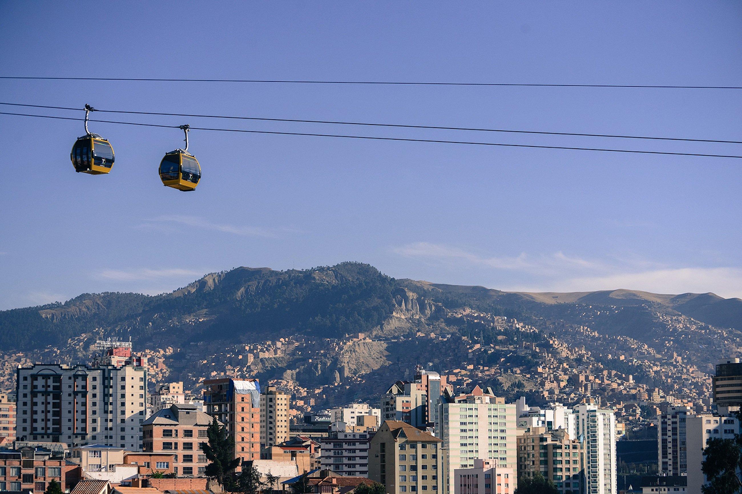 Die Seilbahnen in La Paz kommt bei der Bevölkerung gut an: Nach weniger als einem Jahr Betrieb sind 16 Millionen Fahrten verbucht.