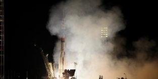 Raumkapsel Sojus hat drei Wissenschaftler zur ISS gebracht