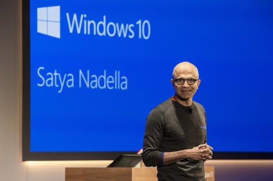 """Große Hoffnungen setzt Microsoft-Chef Satya Nadella in das neue Betriebssystem Windows 10:""""Die Nutzer sollen es lieben."""" Das hoffte Microsoft auch bei Windows 8, das zum großen Ärgernis und Flop wurde."""