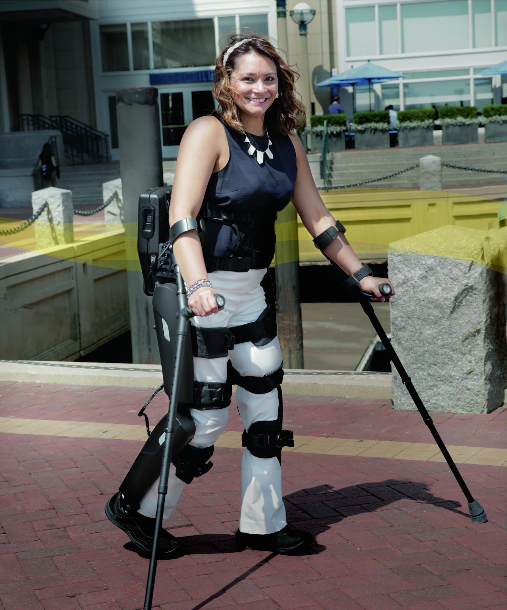Mit dem neuen Exoskelett von ReWalk sind Schrittgeschwindigkeiten von bis zu 2,6 km/h möglich.