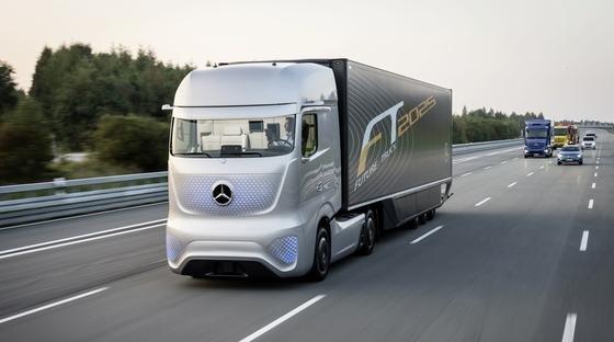Daimler will seine autonomen Lkw auf deutschen Autobahnen testen – im normalen Verkehr.