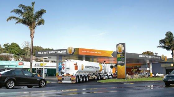 An ausgewählten Tankstellen in Neuseeland kann man sein Auto mit dem neuen Biokraftstoff aus Bierabfällen betanken.