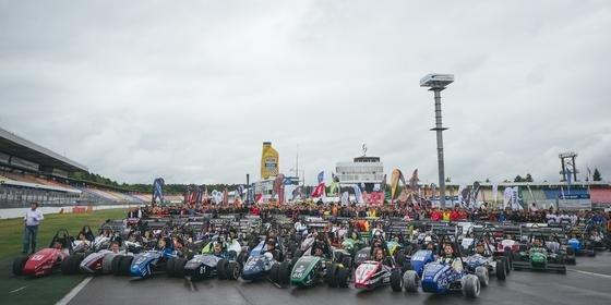 Letzte Vorbereitungen für das Rennen auf dem Hockenheimring: 75 Teams treten mit konventionellen Verbrennungsmaschinen an, 40 mit Elektroantrieben.