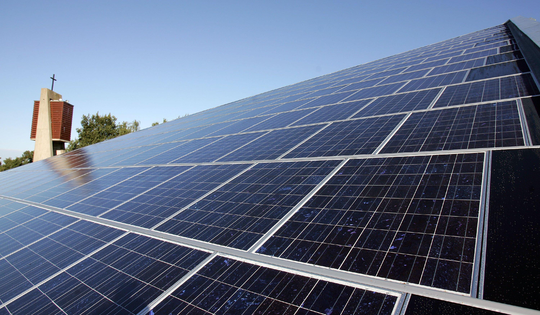solaranlagen erzeugen erstmals so viel strom wie atomkraftwerke. Black Bedroom Furniture Sets. Home Design Ideas