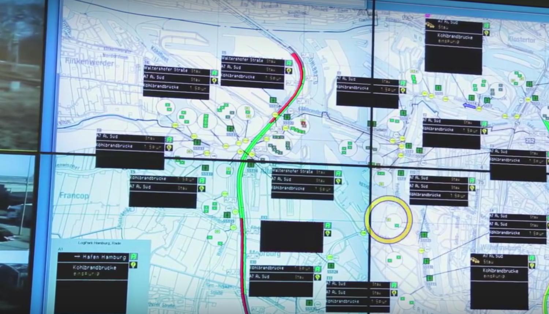Daten der Smart Road laufen in Echtzeit in der Zentrale zusammen.