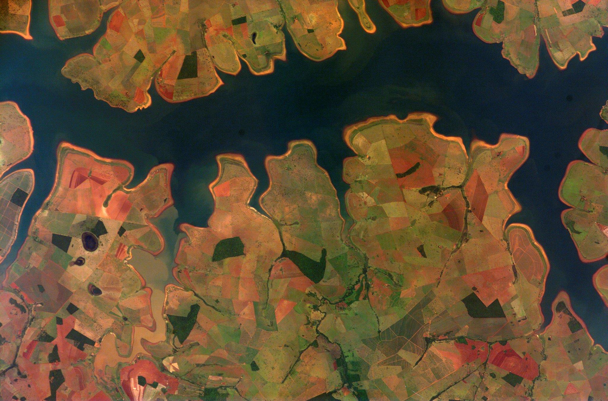 Der Stausee Sao Simao in Brasilien: Die Menschheit verbraucht mehr Ressourcen als ihr die Natur zur Verfügung stellen kann.
