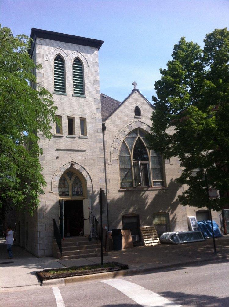 Außen Kirche, innen Eigenheim.