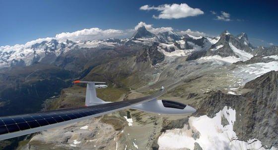 Sunseeker Duo während der Alpenüberquerung:Der Flugzeugmotor bringt eine maximale Leistung von 25 kW.