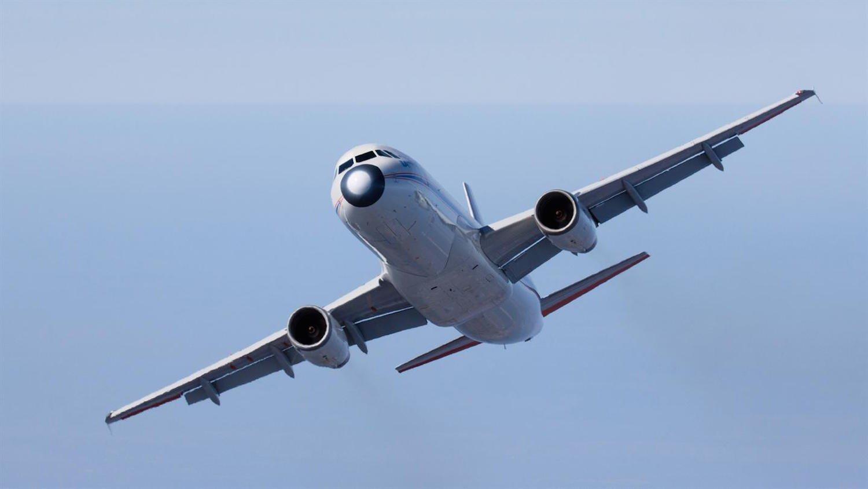 Mechanische Landeklappen eines Verkehrsflugzeugs: Verkleidung und Spalte zwischen Klappe und Flügel stören die Aerodynamik, erhöhen den Kraftstoffverbrauch und erhöhen den Fluglärm.