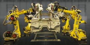 Japanische Industrieroboter denken und lernen selbstständig
