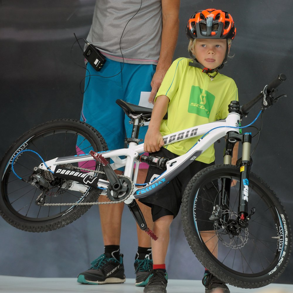 bike trial e mobility faltbare helme fahrradprofis. Black Bedroom Furniture Sets. Home Design Ideas