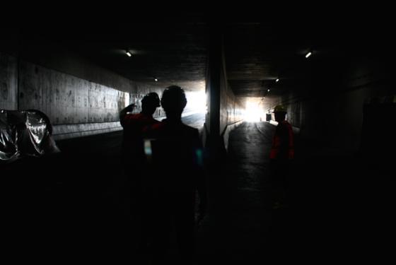 Der doppelstöckige Kaiser-Willem-Alexandertunnel führt auf einer Länge von 2,3 km unter der Stadt Maastricht hindurch.