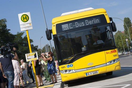 E-Bus Berlin: In einem Pilotprojekt der Berliner Verkehrsbetriebe (BVG)fahren die Busse der Linie 204 vom Zoo zum Südkreuz künftig im Elektrobetrieb.