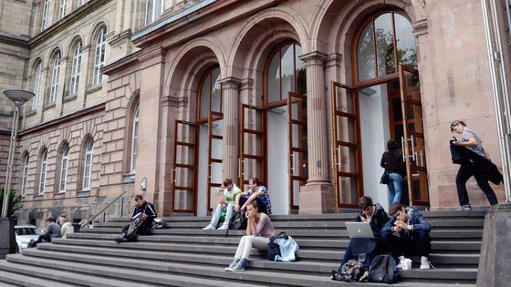 Die Rheinisch-Westfälische Technische Hochschule (RWTH) Aachen ist nur noch das drittliebste Kind der Deutschen Forschungsgemeinschaft, wenn es um Fördergelder geht. Die Universität Heidelberg hat ihr den Rang abgelaufen. Ihren Spitzenplatz in den Ingenieurwissenschaften verteidigt die RWTH Aachen aber unangefochten. Und das ist ihr das Wichtigste.