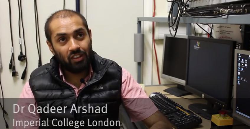 Forschungsleiter Dr. Qadeer Arshad ist zuversichtlich,dass in fünf bis zehn Jahren jeder ein Anti-Seekrankheit-Gerät in der Apotheke kaufen kann.