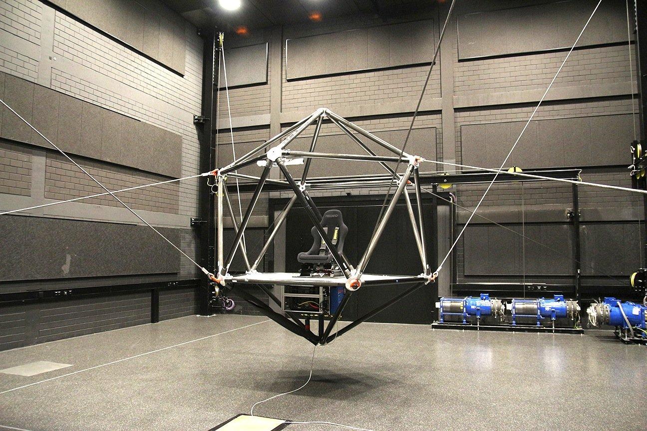 Der neue Seilroboter desMax-Planck-Instituts für biologische Kybernetik in Tübingen wird aufder Driving Simulation Conference & Exhibition am Mittwoch seine erste öffentliche Fahrt absolvieren.