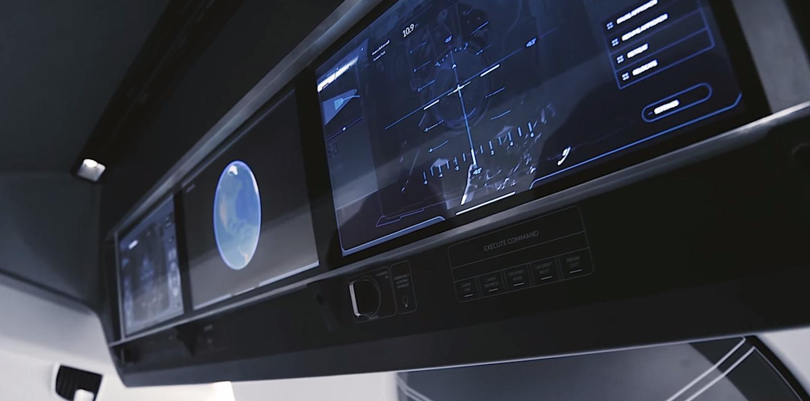 Schalter und Hebel sind Schnee von gestern: Stattdessen gibt es drei Touchscreen-Terminals.