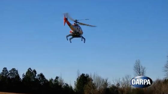 Die Darpa (Defense Advanced Research Projects Agency) hat ein robotisches Landegestell entwickelt, das sich dem Untergrund anpasst und die Landung von Helikoptern auch in ziemlich unwegsamem Gelände ermöglicht.