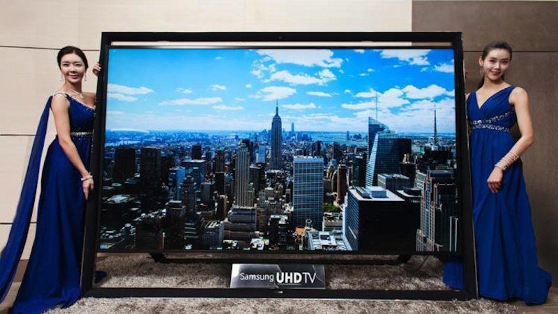 Lust auf einen der größten Fernseher der Welt? Dann bietet Samsung das Richtige: den UHD TV S9110 für 109.000 €.