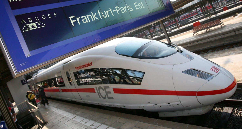 Der ICE erreicht eine Reisegeschwindigkeit von rund 320 km/h.