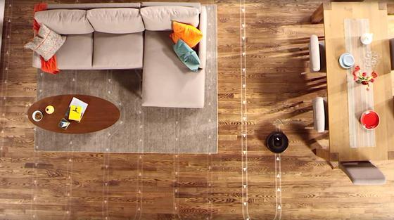 Roomba 980 hat einen Plan: Der Staubsauger-Roboter kartographiert die Wohnung mit Sensoren und fährt dann die optimale Route ab.