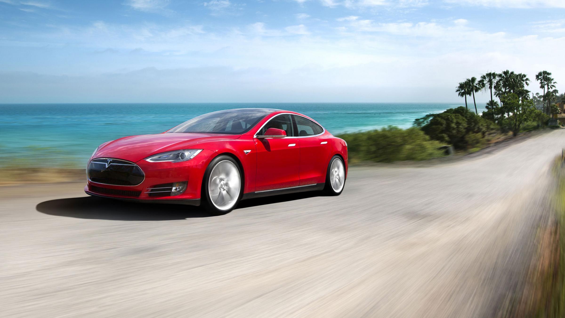 Der Sportwagen Model S erreicht unter günstigen Bedingungen derzeit Reichweiten von 500 Kilometern. Diese sinken aber deutlich bei Kälte oder Hitze.