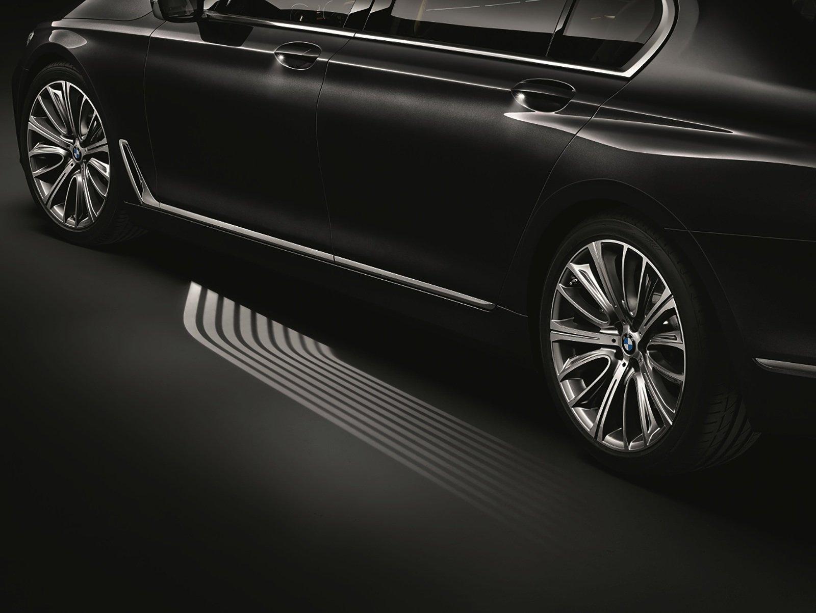 Mikrolinsen projizieren das Licht auf den Einstiegsbereich der neuen BMW 7er Reihe.