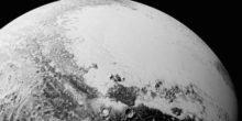 Neue Fotos: Plutomond Charon präsentiert seine Schluchten und Abhänge