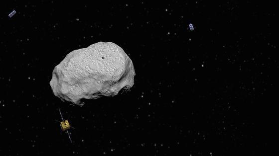 Die zweigeteilte Aida-Mission soll im Oktober 2020 beginnen. Als Ziel wurde der rund elf Millionen km entfernte Doppel-Asteroid Didymos ausgewählt. Er besteht aus dem 750 m großen Asteroiden Didymos und seinem etwa 160 m großen, eiförmigen natürlichen Satelliten Didymoon (Abbildung), der in gut einem Kilometer Höhe alle zwölf Stunden seine Runde dreht. Hat die Raumsonde ihr Ziel erreicht, soll das Asteroiden-Doppelsystem zunächst erkundet werden.