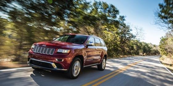 Fiat Chrylser lockt VW-Kunden mit Rabattaktionen: Auf einen Jeep Grand Cherokee gewährt der Autobauer 1500 € Nachlass und nimmt zudem das alte VW-Auto in Zahlung.