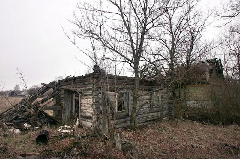 Verlassenes Haus innerhalb der 30-km-Sperrzone um Tschernobyl. Über 250.000 Menschen mussten nach der Reaktorkatastrophe im April 1986 ihre Häuser verlassen.
