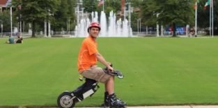 Im Sattel fliegen: Ein Elektro-Bike für Inlinerskater