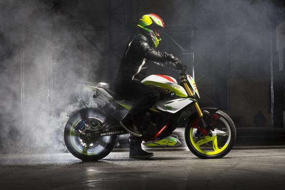 Für Spaß und Stunts gemacht: dieBMW Concept Stunt G 310. Den Prototyp präsentiert BMW derzeit in Brasilien. Er bietet einen Ausblick auf das neue Einstiegsmotorrad, das der Hersteller plant.