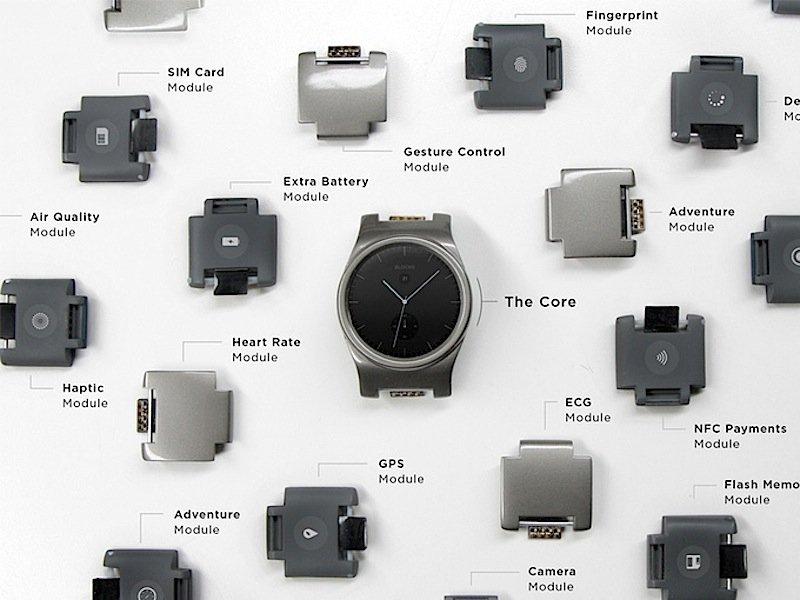 Bei der modularen smarten Armbanduhr Blocks verbirgt sich die Technik zum Nachrüsten in den Kettengliedern des Armbands.