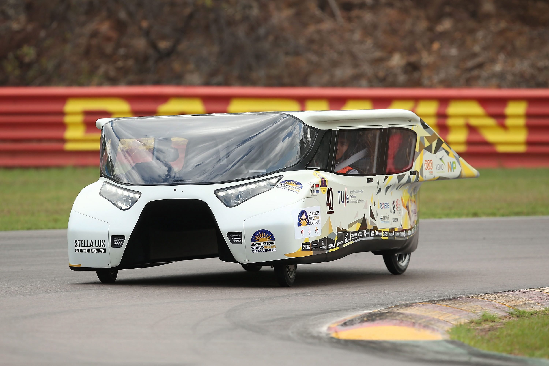 Das Solar Team Eindhoven fuhr bei der Qualifikation mit Stella Lux die Bestzeit.