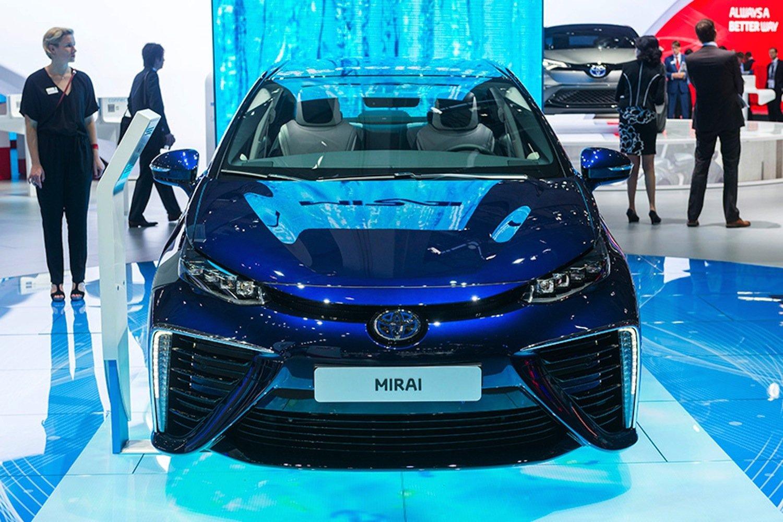 Die Umweltfreundlichkeit des Toyota Mirai hat ihren Preis: Die 25 Besitzer in Deutschland haben jeweils 78.450 € auf den Tisch gelegt.