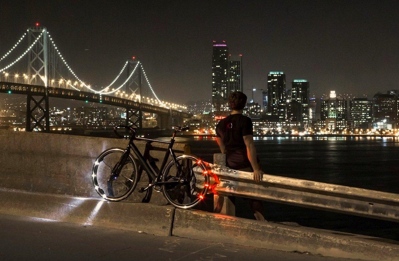 Fahrrad mit der LED-Beleuchtung Eclipse+: Revolights liefert die alternative Beleuchtung Mitte 2016 aus.