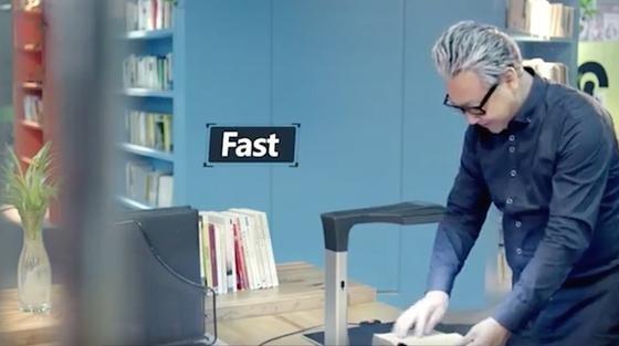 Kein Deckel, keine vielen Knöpfe: Nur ein Knopf muss zum Scannen gedrückt werden. Das Gerät, das aussieht wie eine Lampe, regelt alles automatisch. Und scannt laut Hersteller 20 Mal schneller als gängige Scanner.