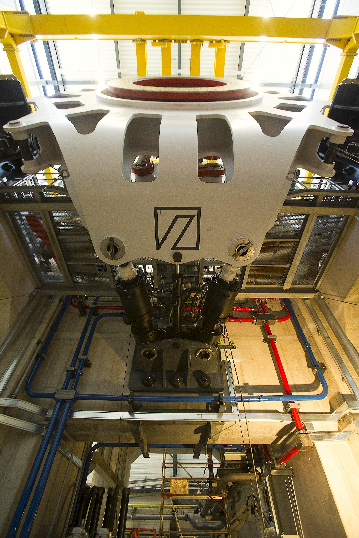Zum Jahresende wird im Dynalab-Teststand erstmals eine Windkraftanlage mit 8 MW Leistung getestet.